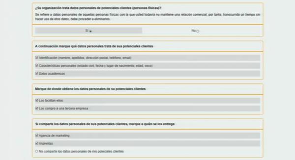 datos personales de posibles clientes
