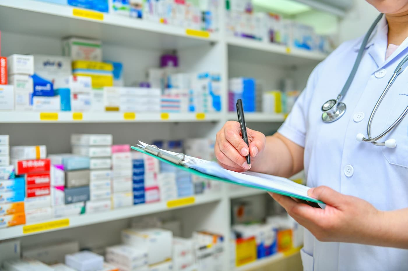 Imagen farmacéutico para protección datos farmacias