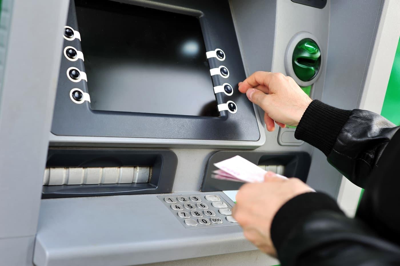 Imagen conceptual cerrar una cuenta en bankia cajero
