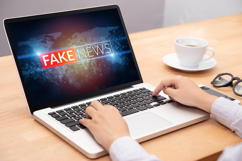 Concepto de fake news para libertad de expresion en internet