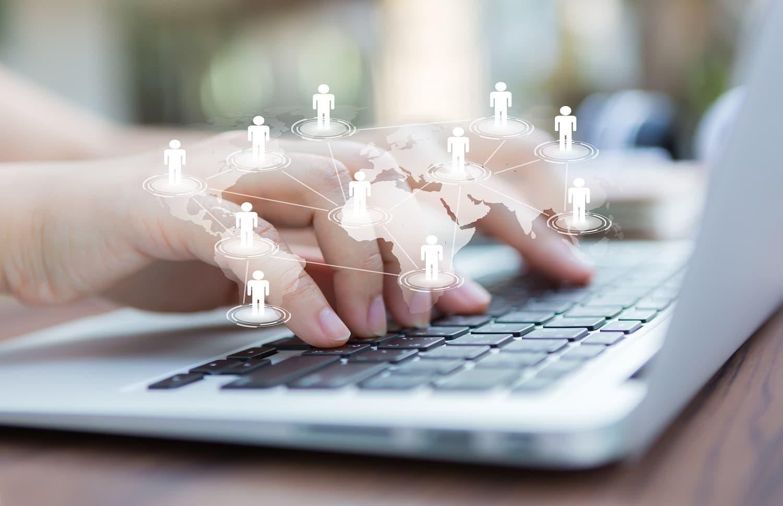 Concepto de redes sociales para libertad de expresion en internet